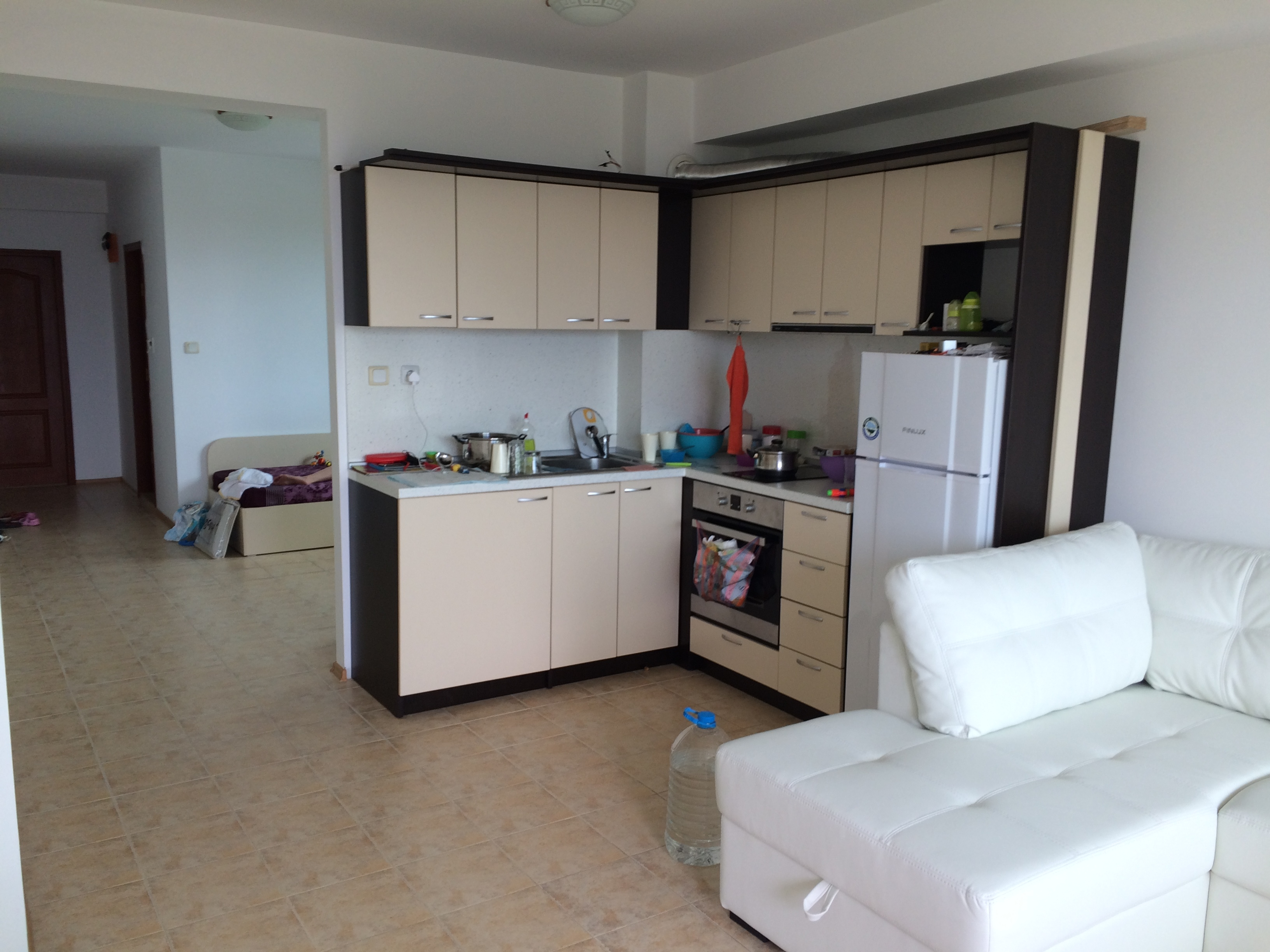 Spacious Two Bedroom Apartment In Complex Sea View
